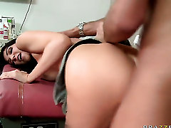 Keiran Lee is horny as hell and cant wait any more to fuck unbelievably hot Diana Princes cunt