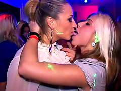 Horny dancing girls hook up in club