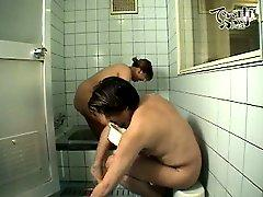 Japanese BBW with hubby in a bath