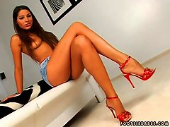 Tall brunette nymph Zafira getting undressed and Lusty on her deliciously hot feet