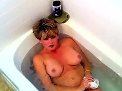 Bath Tub Cum Swallow
