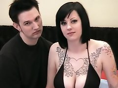 Big tits goth chick loves good sex