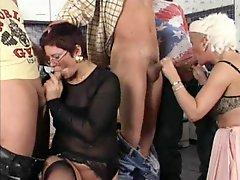Blowjob and a doggystyle fucking for slutty amateur grannies