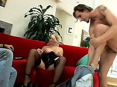 Sizzlin blonde housewife gets her revenge and gets analized in front of hubby