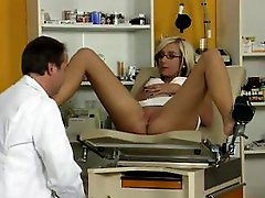 Blonde goes to the doctor to get her pussy lips pumped and he tests them out