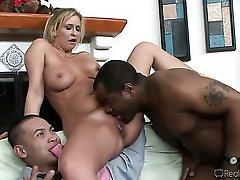 Extremely hot cougar Phylisha Anne gets