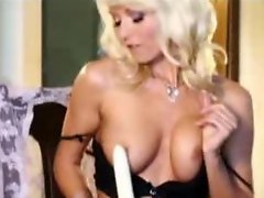 Jana Cova masturbates while thinking of you