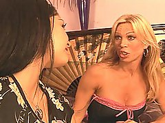 MILF Amber Lynn Has Lesson For Allie Ray