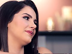 Sexy Twistys babes Jelena Jensen and Valentina Nappi introduce each other