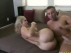 Huge titted mom Brandi Love gets her loose pussy slammed
