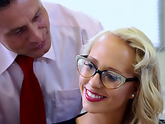 She got banged in her pussy to get this job at the office