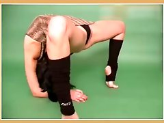 Flexible Gymnast Anna Stretching & Classic Workout