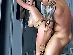 Gianna Michaels loves getting fucked from behind