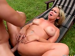 Abbey Brooks gets her beautiful big ass banged outdoors
